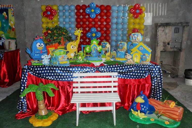 Galinha Pintadinha Tradicional com Painel de Balões
