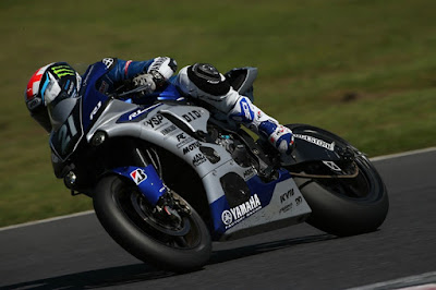 Ngigo? Smith Bilang Motor R1 Suzuka Mirip M1 MotoGP