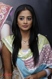 Priyamani Pictures in Salwar Kameez at Lakme Salon Launch at Secundrabad  0003