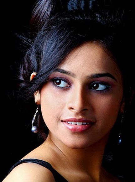 South Indian Actress Sri Divya Pics Sri Divya Images Sri Divya