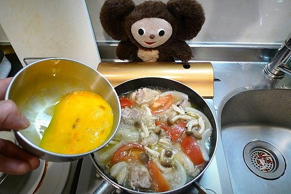 親子丼トマト入りの作り方(3)