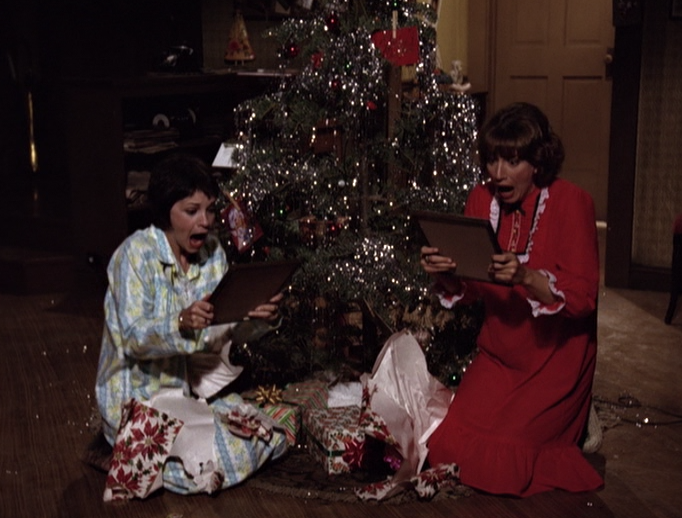 best friends exchange identical gifts its funny every time - Best Friends Christmas Episodes