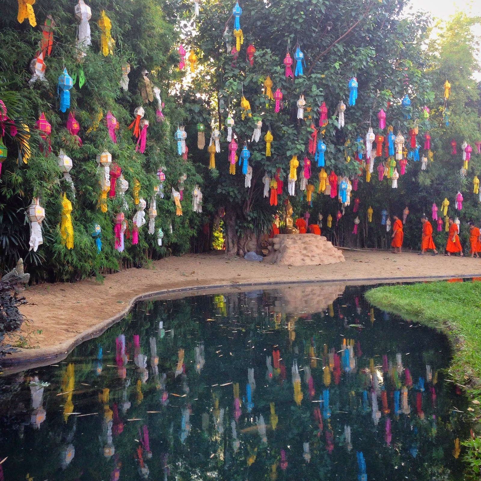 La meraviglia del Loy Krathong a Chiang Mai - foto di Elisa Chisana Hoshi