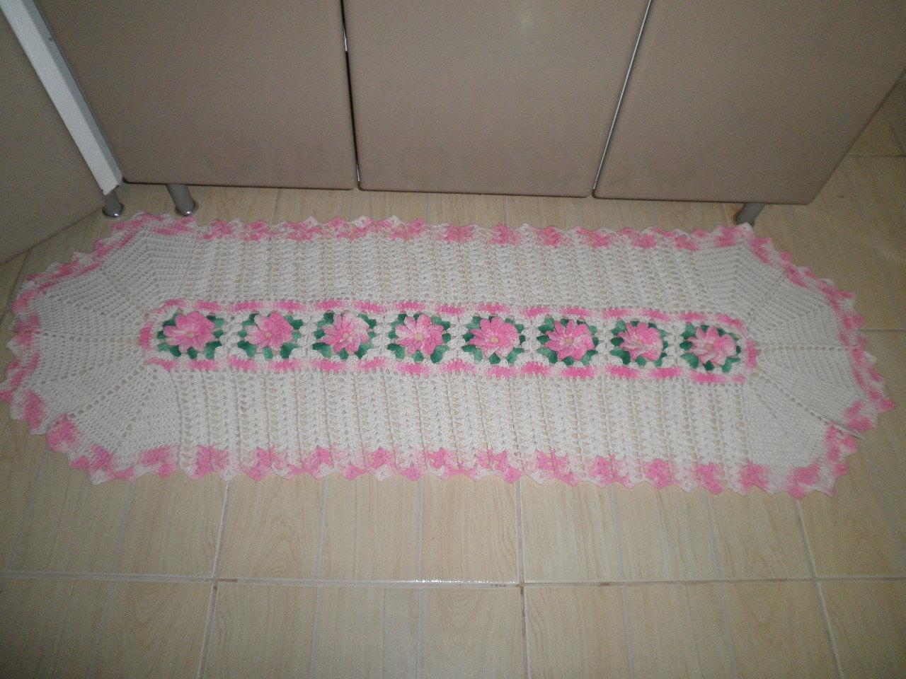 Jogo de tapete para cozinha em crochê na cor cru com linha número 06
