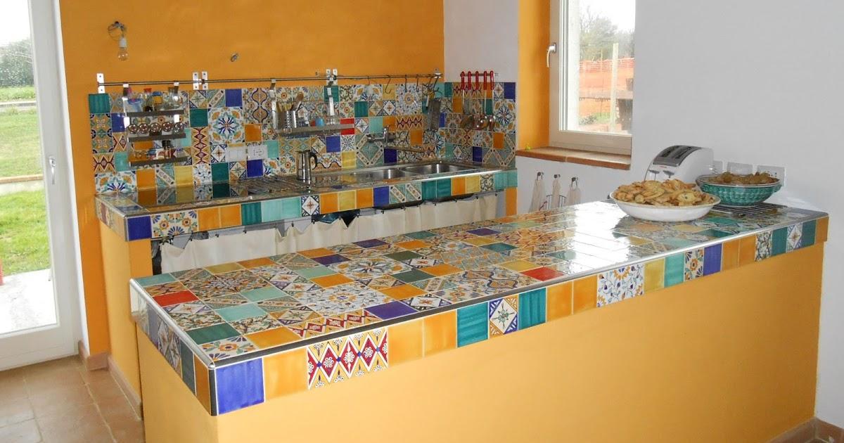 Vivo in classe a cucina mediterranea - Piastrelle dipinte ...