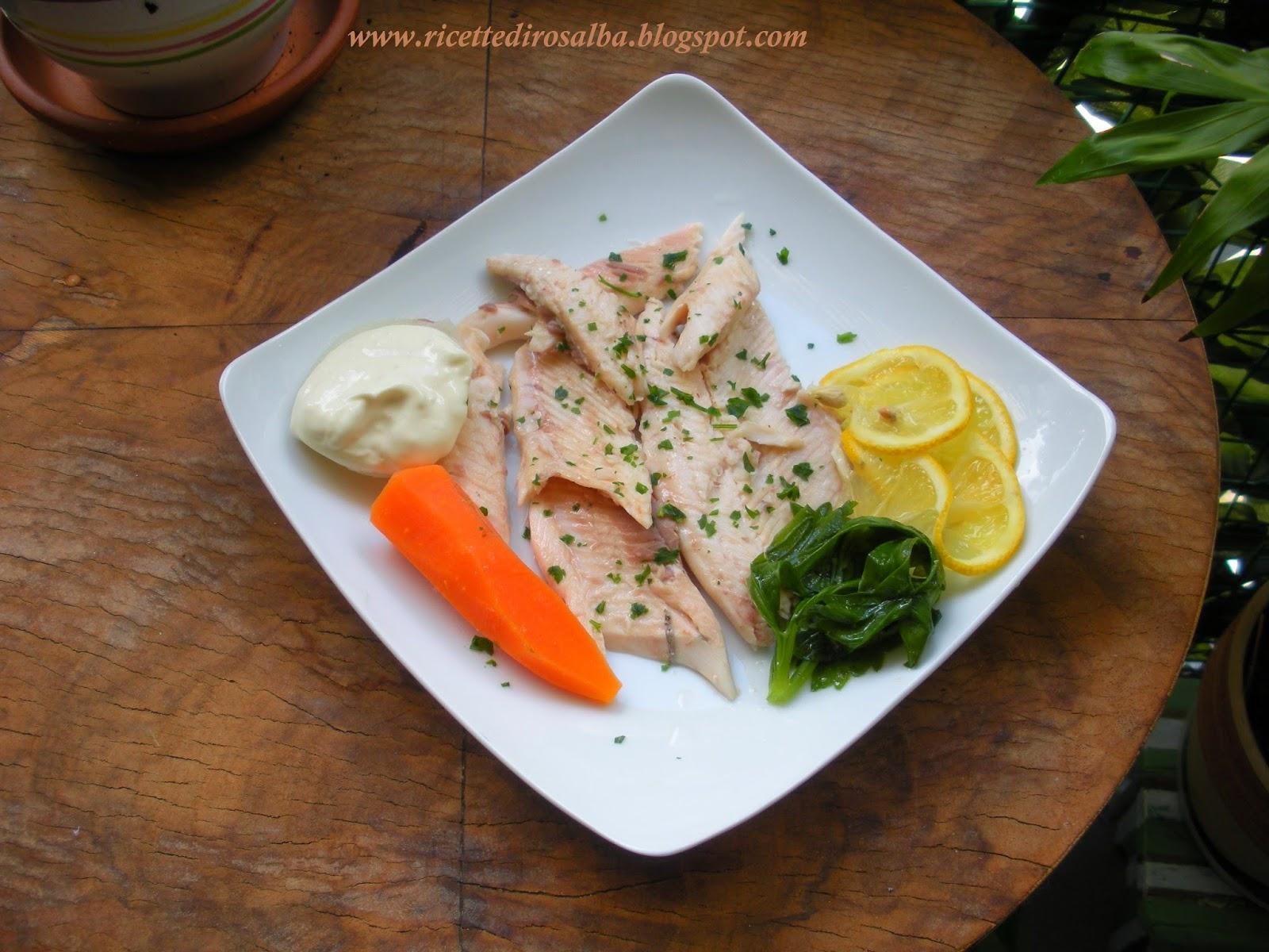 Ricette semplici e genuine trota bollita con verdure e for Cucinare trota