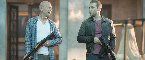 Bruce Willis e Jai Courtney em DURO DE MATAR - UM BOM DIA PARA MORRER (A Good Day to Die Hard)