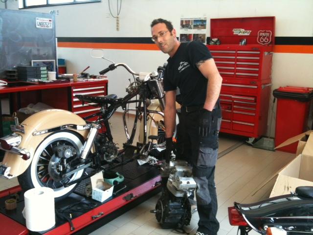 American motorcycles by rbm shovel 39 79 - American motorbike garage ...