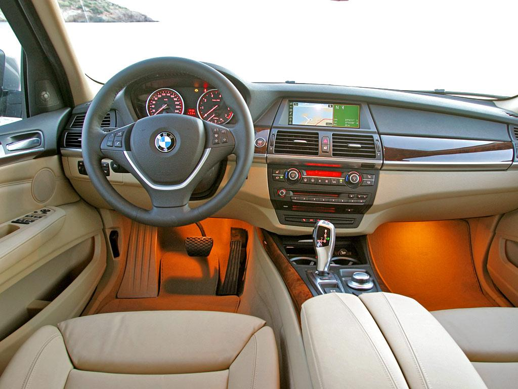 Coches y motos 10 todoterreno de lujo bmw x5 for Bmw x5 interior