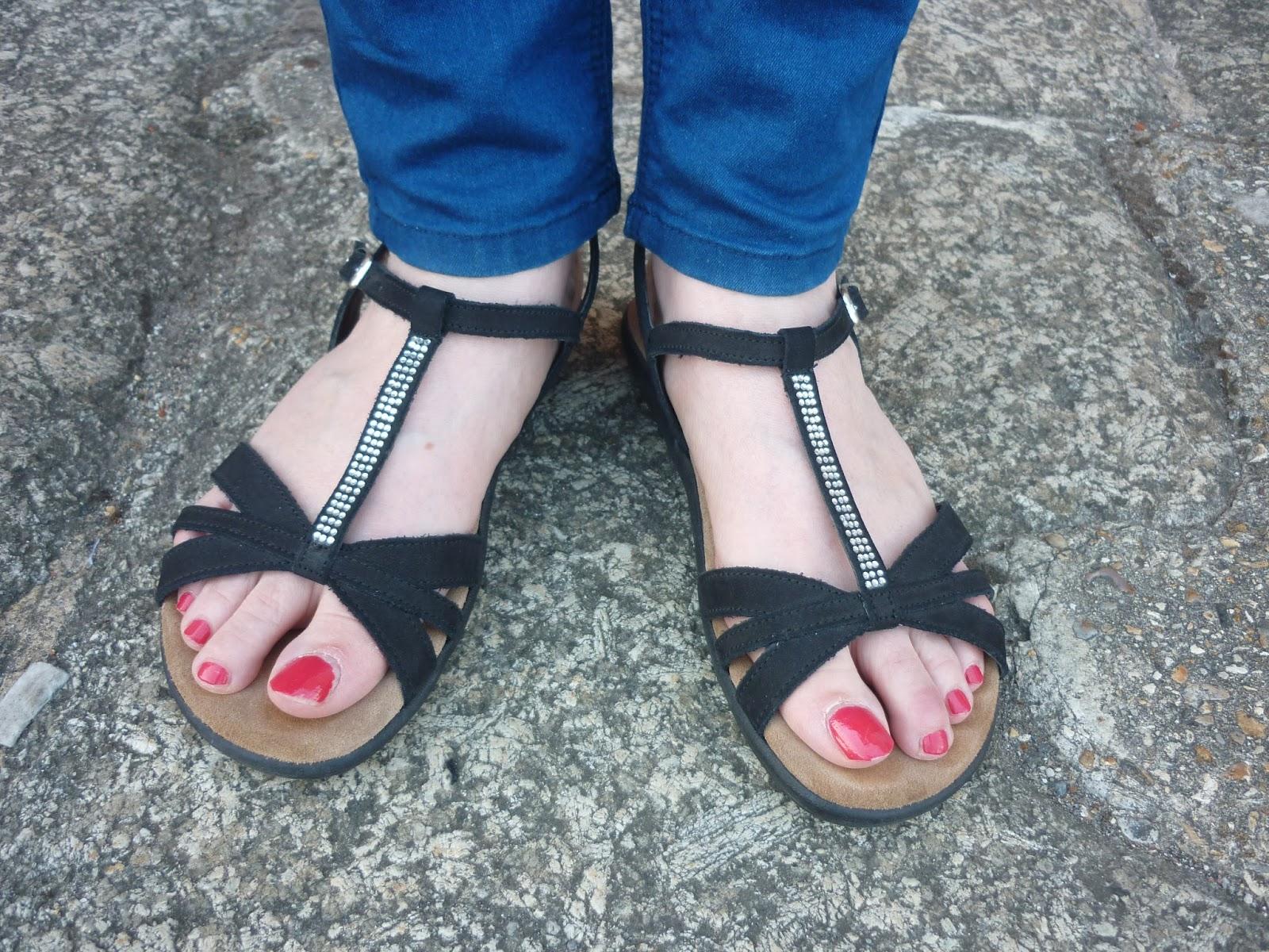 Colbalt Blue Jeans & Black Sandals | Petite Silver Vixen