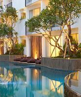 Menginap di Hotel The Akmani Legian Bali
