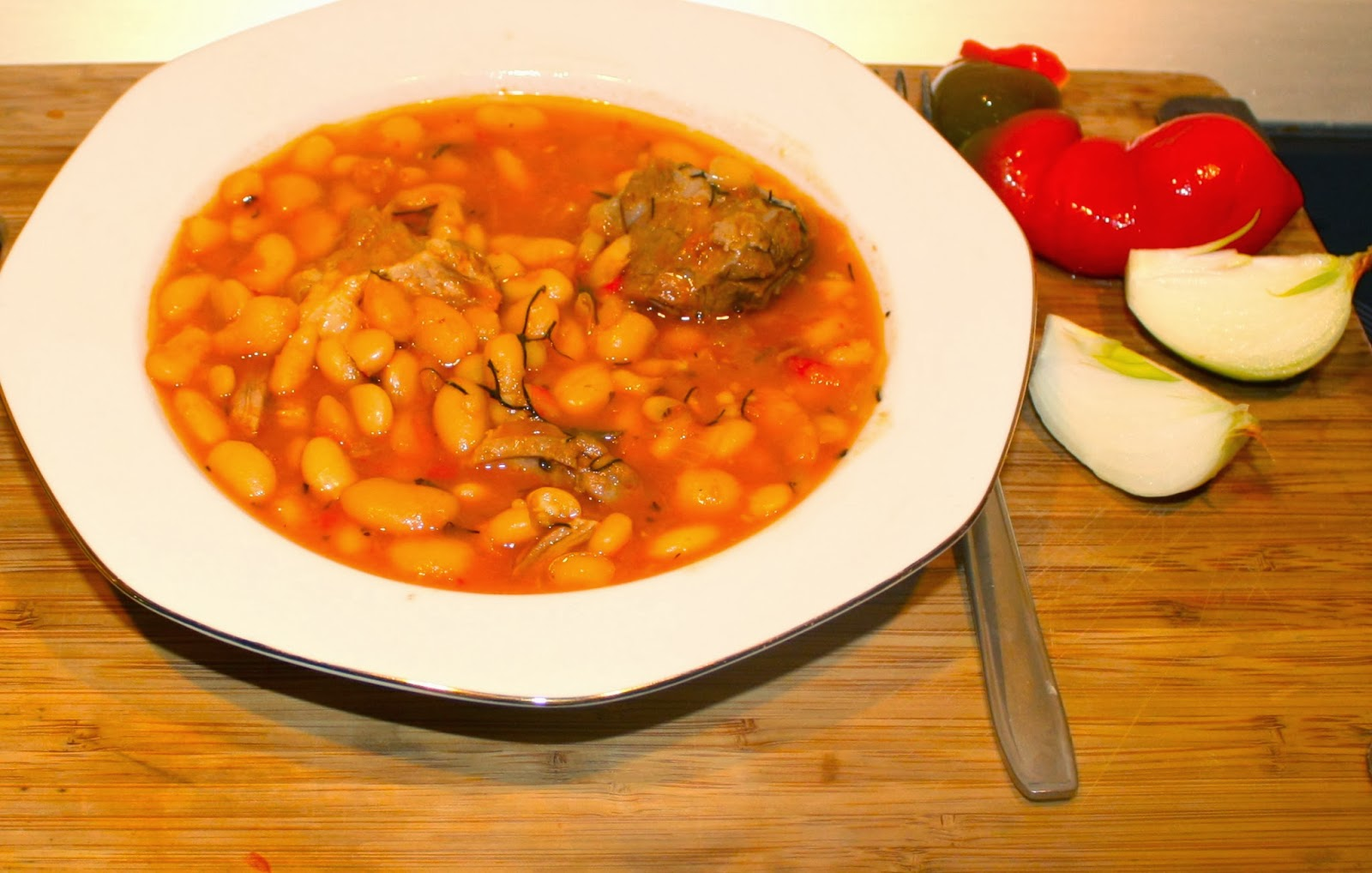 Beans with smoked pork ham