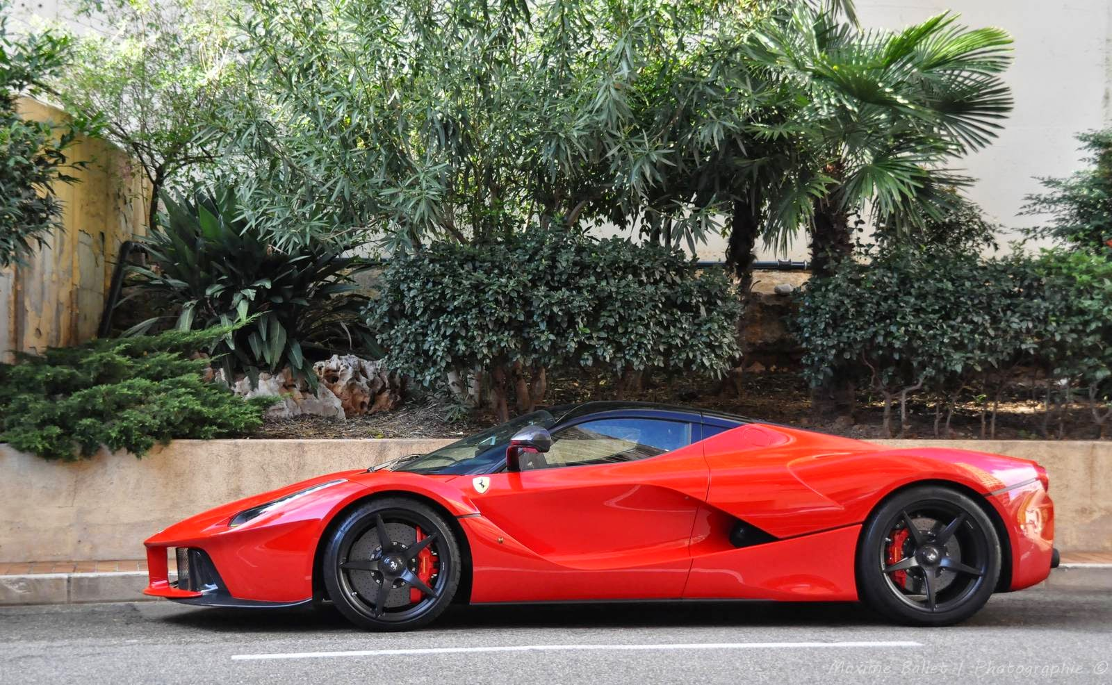 The LaFerrari Is Ferrariu0027s Answer To The Bugatti Supercar And The Mclaren  P1, It Boast 949HP And 663 Lbs/ft Of Torque And Can Achieve A Top Speed Of  Over ...