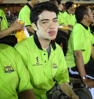 khalid kyle, blogger lelaki, blogger malaysia, eurasian, blog pilihan, review blog