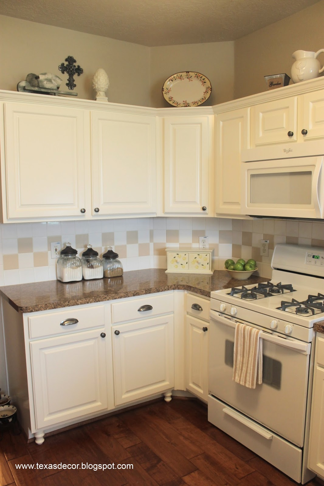 Texas decor painted kitchen cabinet reveal for Texas kitchen designs
