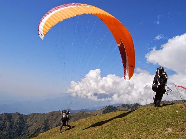 adventure sports in india This page contains information about the adventure sports in india some of these sports are river rafting, mountain climbing, skiing, hang-gliding, ballooning, motor crossing, scuba diving.