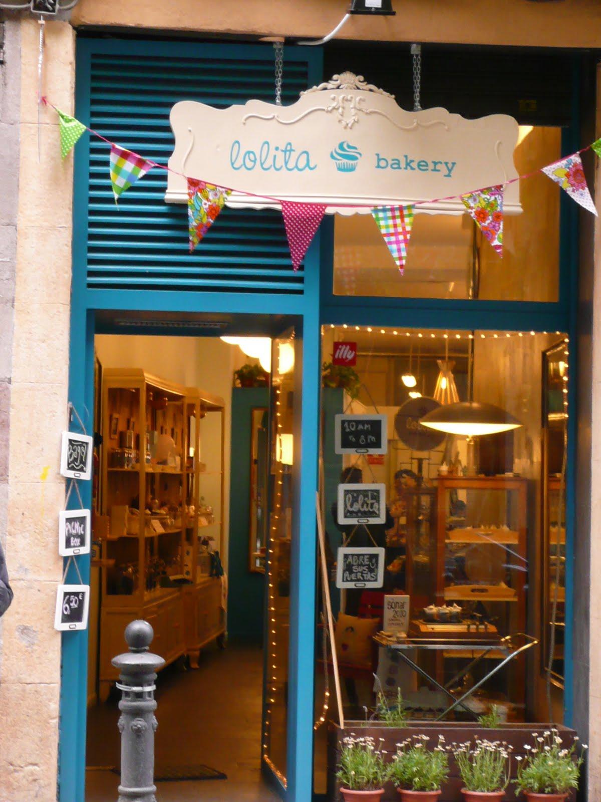 Retro cake abril 2011 - Decoracion de cafeterias pequenas ...