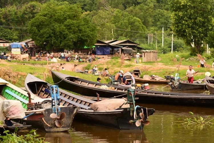 inle, lac inle, birmanie, myanmar, lac, tomates, voyage, photos de voyage, pêcheurs, argent, soie, papier, Kaung daing