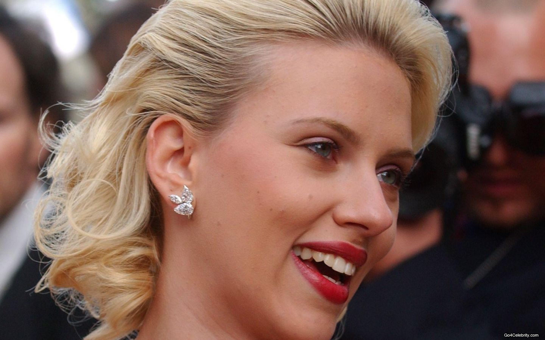 http://3.bp.blogspot.com/-6RxlcUCMqVM/Tmprnfe9YbI/AAAAAAAAGwM/etYgA0-s23M/s1600/Scarlett-Johansson-025-1440x900.jpg