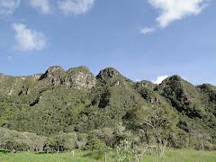 """Cerro de """"Las Tres Viejas"""". Sesquilé"""