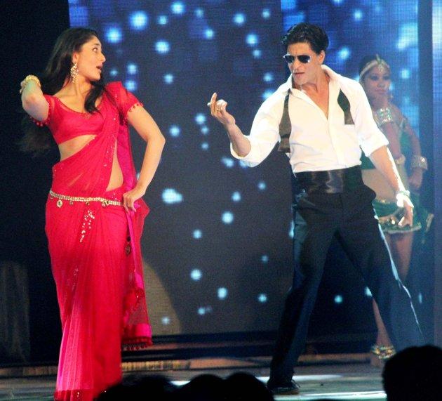 Bollywood Sheet Music September 2011: Chammak Challo Song Photos 2011