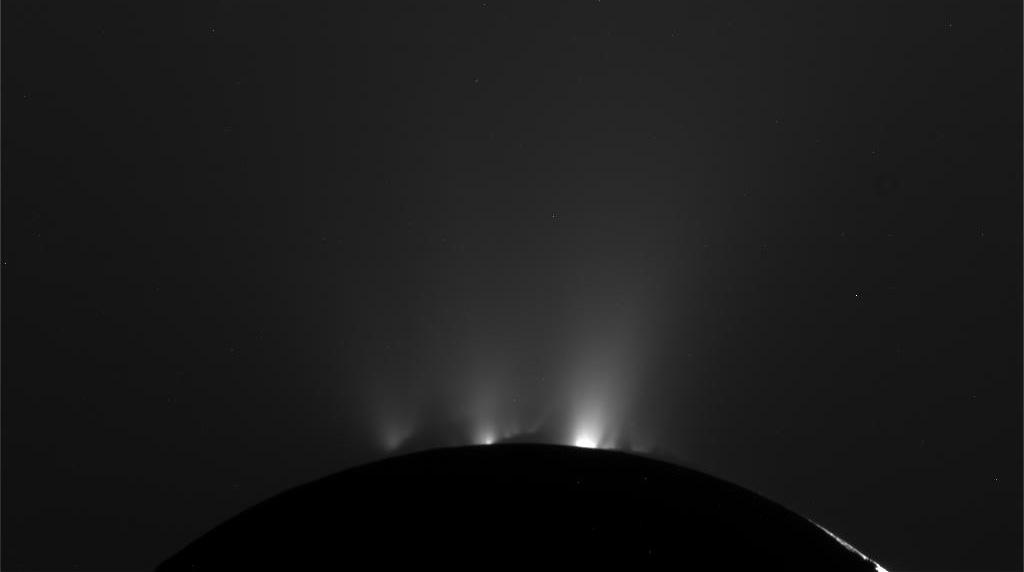 Resultado de imagen de Expulsaciones de gases de Encelado
