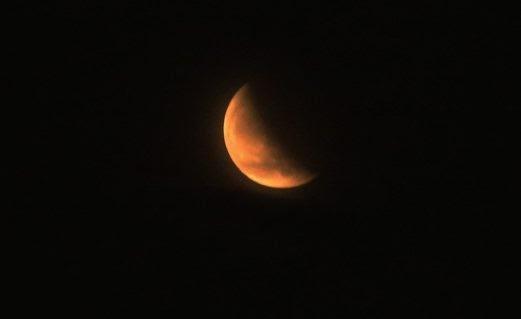 Gambar Sekitar Fenomena Gerhana Bulan Berdarah Di Malaysia