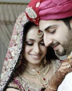 Us Ke Sath Love Shayari