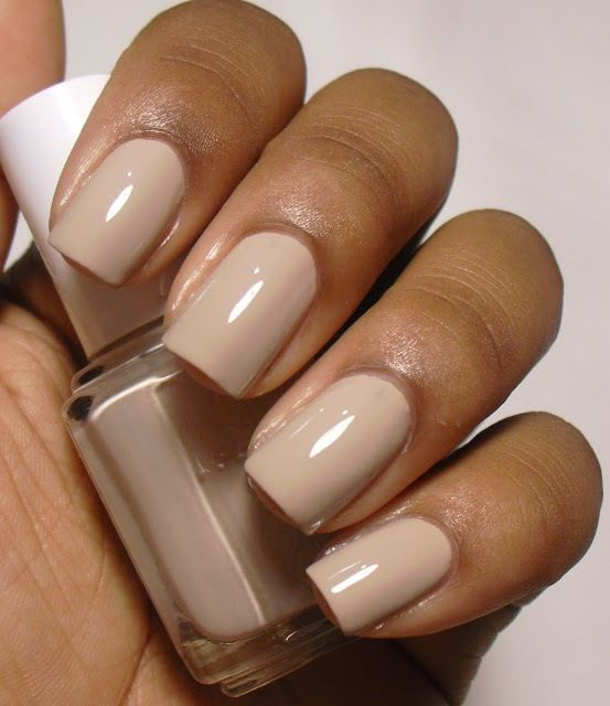 Nude Nail Colors I\'m Absolutely Loving at the Moment | BELLEMOCHA.com
