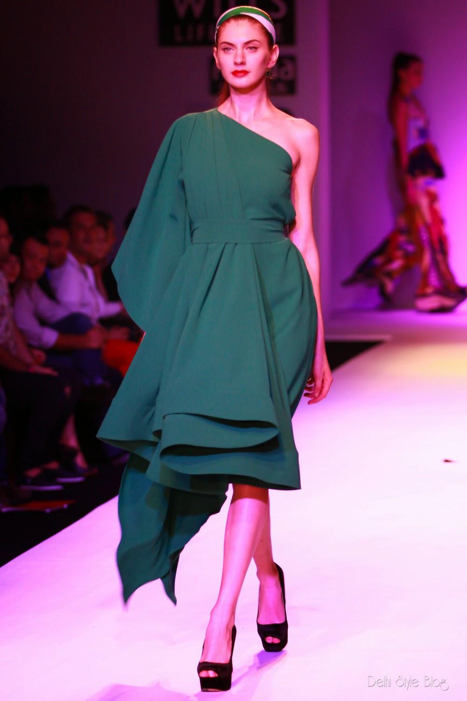 Fashion, Latest Women's Fashion and Fashion Tips - Vogue India Gauri and nainika fashion designers