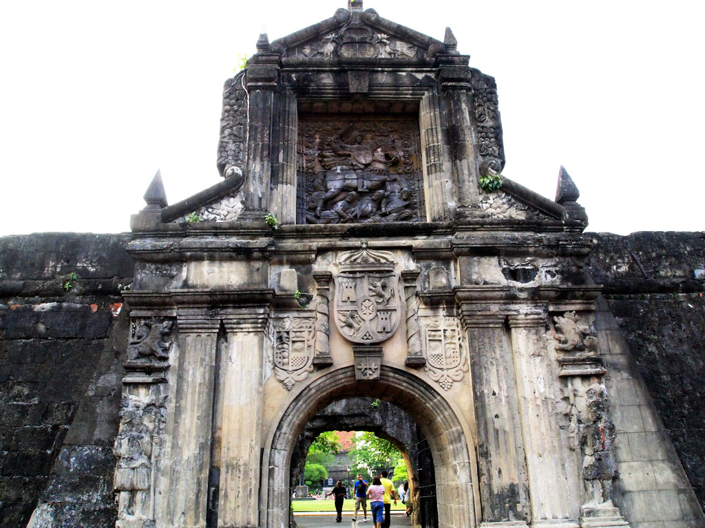 fort santiago Tourist attraction when one hears about fort santiago today, what comes to mind is a tourist attraction inside the intramuros district of the city of manila true enough, fort santiago receives about 411,154 visitors per year based on the department of tourism year-end report for 2011.