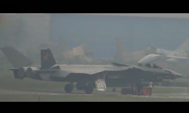 Más detalles del Chengdu J-20 - Página 9 Chinese+J-20+Mighty+Dragon++2003+Chengdu+J-20+fifth+generation+stealth,2002+AESA+RADAR+third+fighter+aircraft+prototype+People's+Liberation+Army+Air+Force++OPERATIONAL+weapons+aam+bvr+missile+ls+pgm+gps+(3)