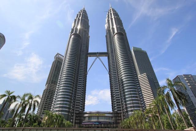 The full view of Petronas Twin Towers in Kuala Lumpur, Malaysia