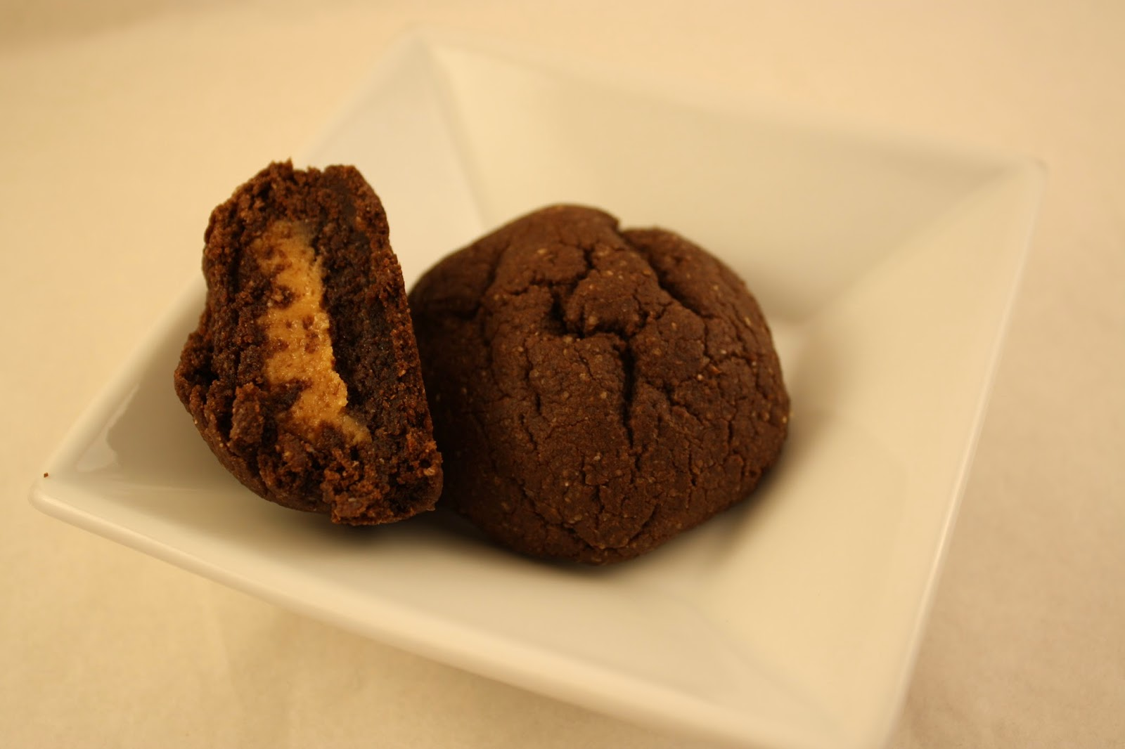 Lactose-Free Girl: Chocolate Peanut Butter Pillow Cookies