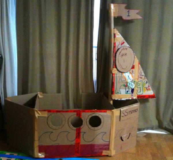 BlackEiffel DIY Cardboard Boat