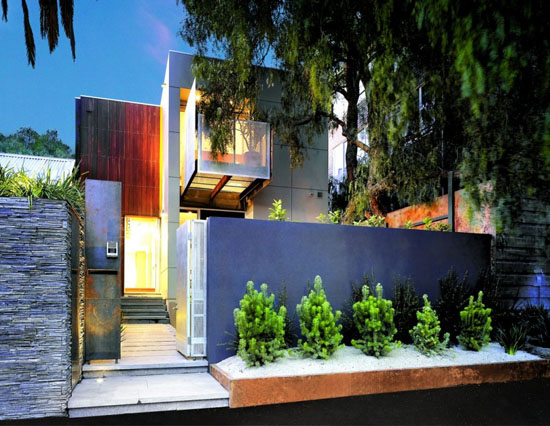 This Modern Home Design Of Morris Partnership Architects Is The Richmond  House Located In A Suburb, Melbourne, Australia. The House Was Designed In  ...