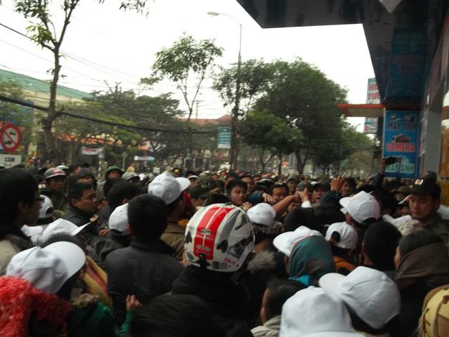 Image result for Vụ án 14 thanh niên Công giáo và Tin lành tại Nghệ An năm 2013