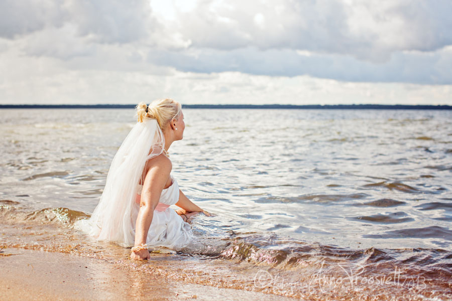 laulasmaa-rannas-trash-the-dress