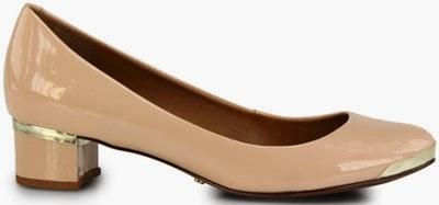 Schutz coleção outono inverno 2014 sapatilha de verni nude com ponta de metal dourado