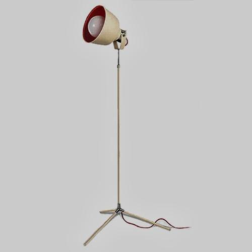 L mpara de pie vintage en centroluz iluminaci n l mparas - Iluminacion de pie ...