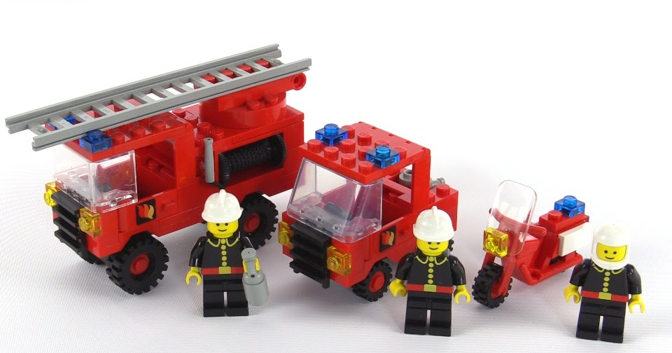 lego classic town fire rescue squad from 1984 set 6366. Black Bedroom Furniture Sets. Home Design Ideas