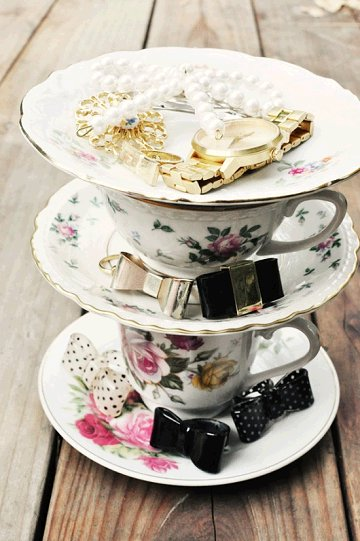 Decorating With Teacups And Saucers Dishfunctional Designs My Cup Of Tea Teacup Crafts Home Decor 2