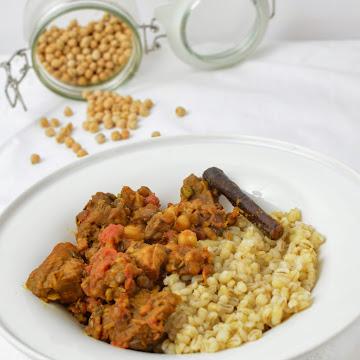Gulasz wieprzowy w korzennym sosie  - Czytaj więcej »
