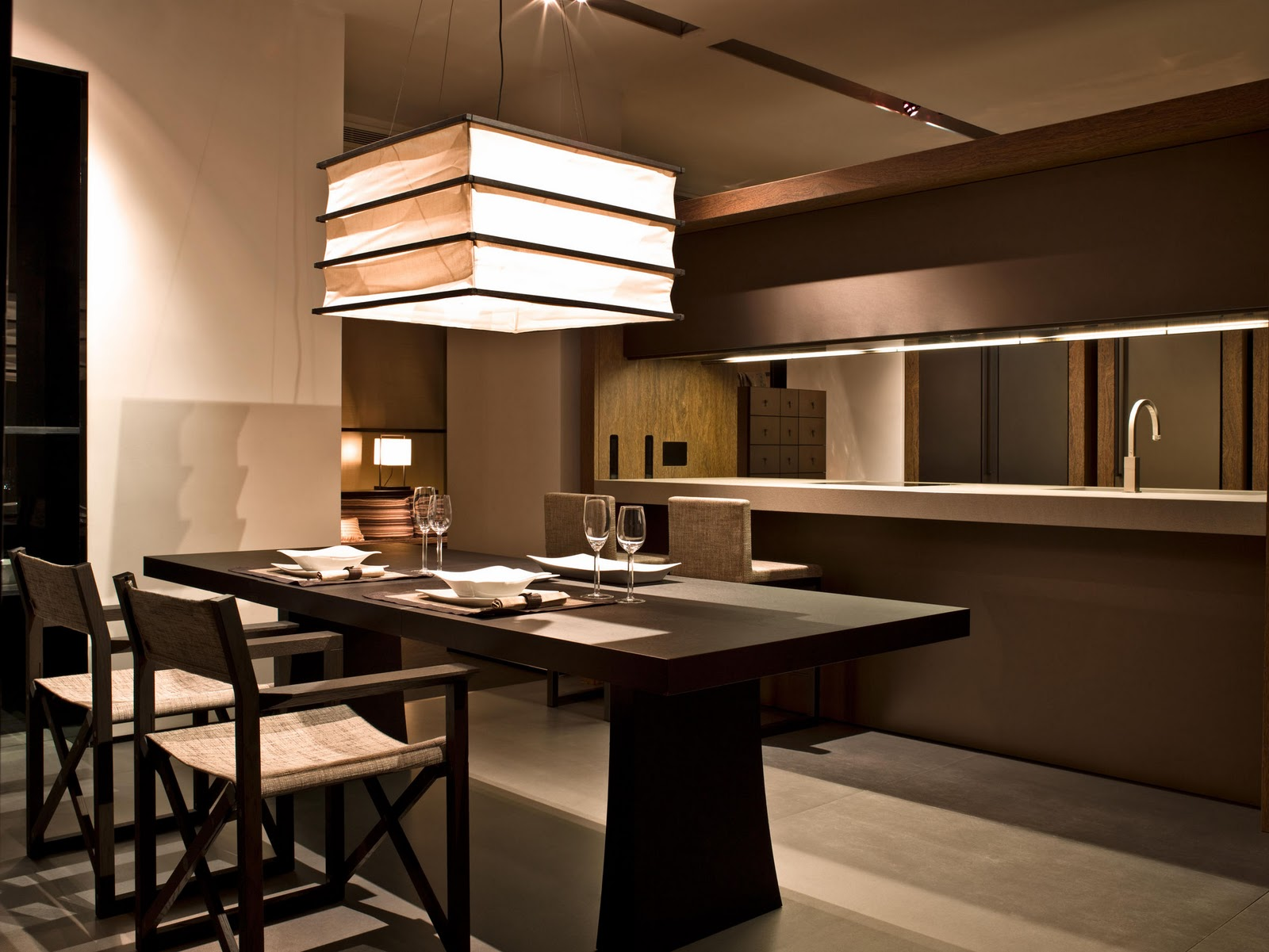 Light color design armani casa for Arredamento armani