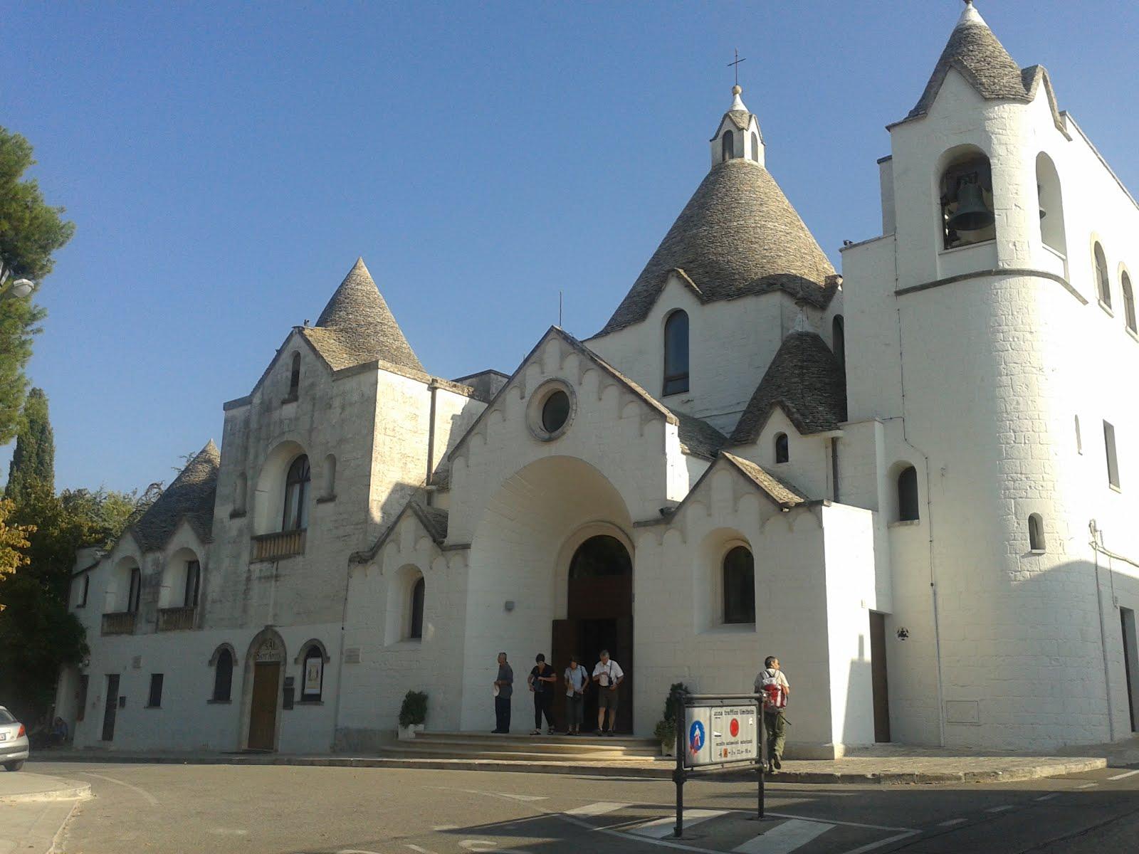 chiesa di sant'antonio, alberobello