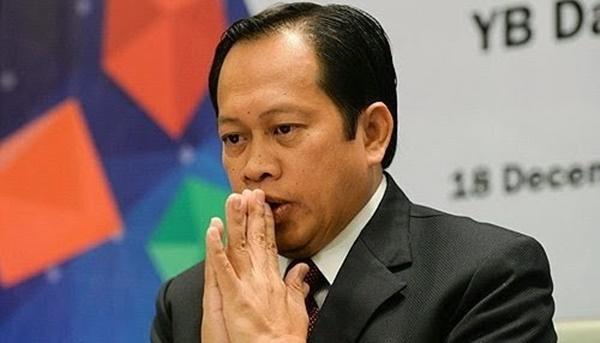 PERGHHH! Komen Pedas Lelaki Ini Buat Ahmad Maslan Bikin Telinga Panas, Berani Giler!!