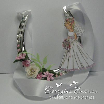 Welcome to gina 39 s krafty place flowers at crafts and me for Bulk horseshoes for crafts