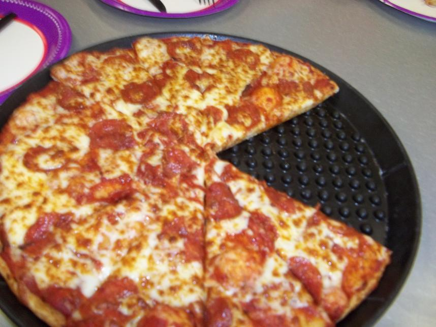 how much is chuck e cheese pizza
