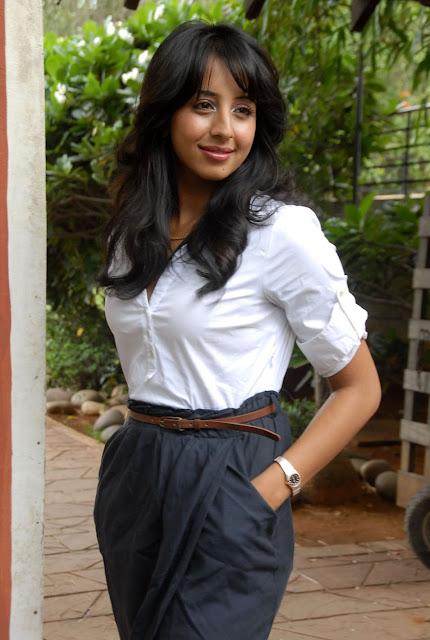 Sanjana Actress Stills hot images