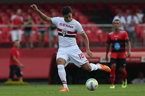 Ganso foi muito vaiado após derrota do São Paulo para o Goiás